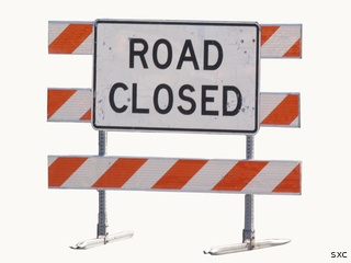 road closed sign new_6772014184645